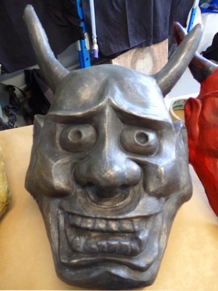 masque-platre-faux-metal