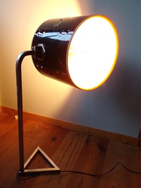 Cette  lampe a été réalisée pour un clip vidéo