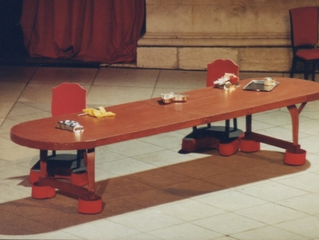 decor-spectacle-table-chaises